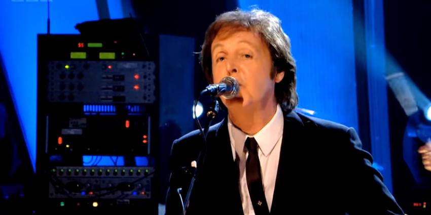 Paul McCartney staat op Pinkpop