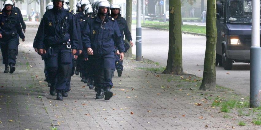 Mobiele Eenheid (ME) ingezet bij onderzoek dode vrouw Tilburg