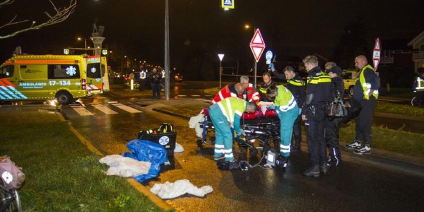 Meisje op fiets aangereden door auto