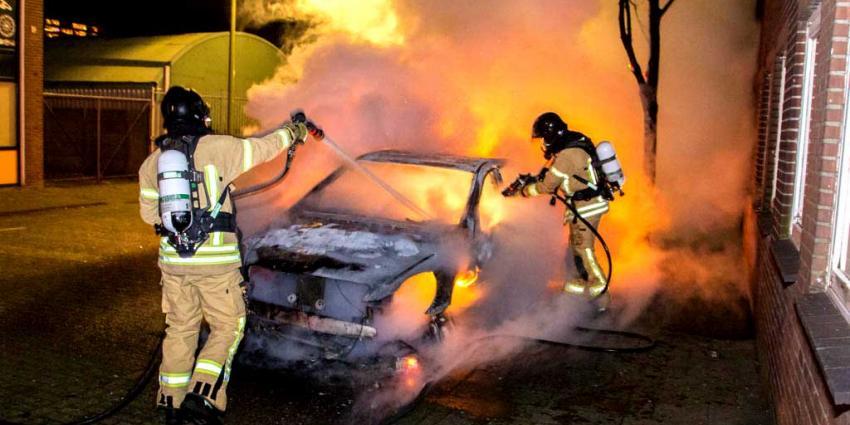 Auto compleet uitgebrand tijdens jaarwisseling Vlaardingen