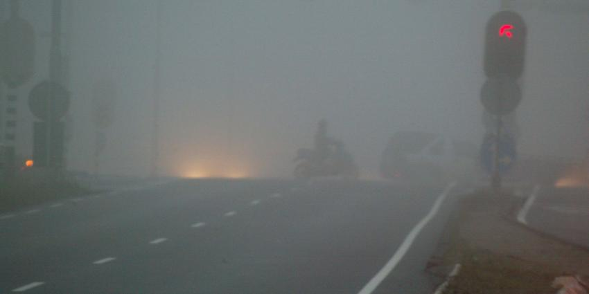 KNMI geeft code geel af vanwege hardnekkig dichte mist