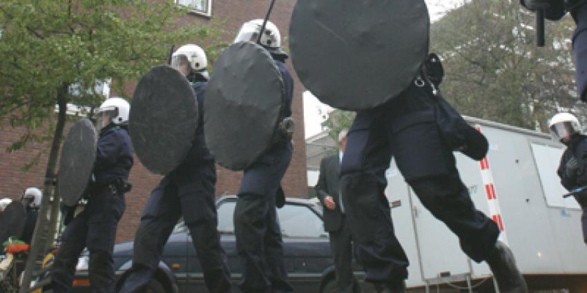 groep voetbalsupporters aangehouden wegens onregeldheden