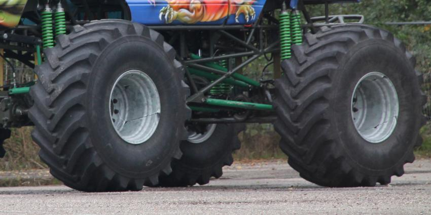 Beslag gelegd op monstertruck Haaksbergen