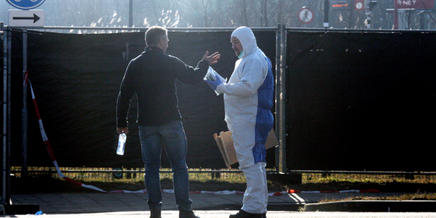 Politie schiet man dood in De Kwakel