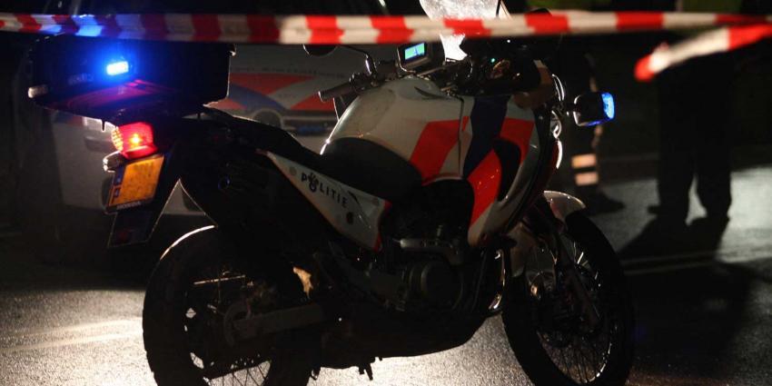 politiemotor, afzetlint, donker