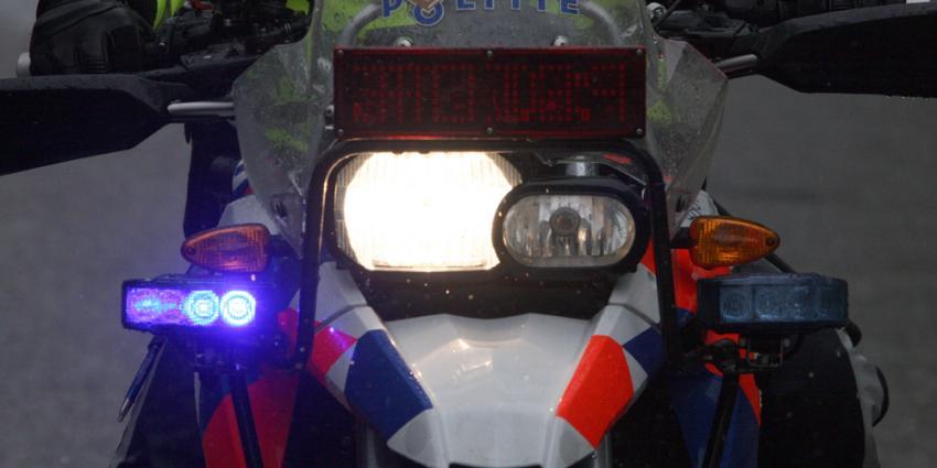Motoragent incasseert klappen bij aanhouding, botten oogkas gebroken