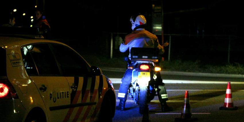 Getuige belt politie na zien meerdere vuurwapens bij mannen in bestelbusje