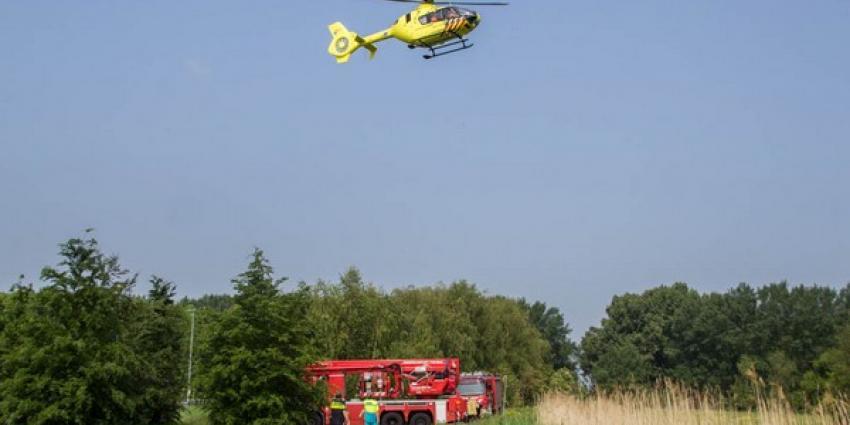 Mountainbiker ernstig gewond na val, brandweer zet hoogwerker in