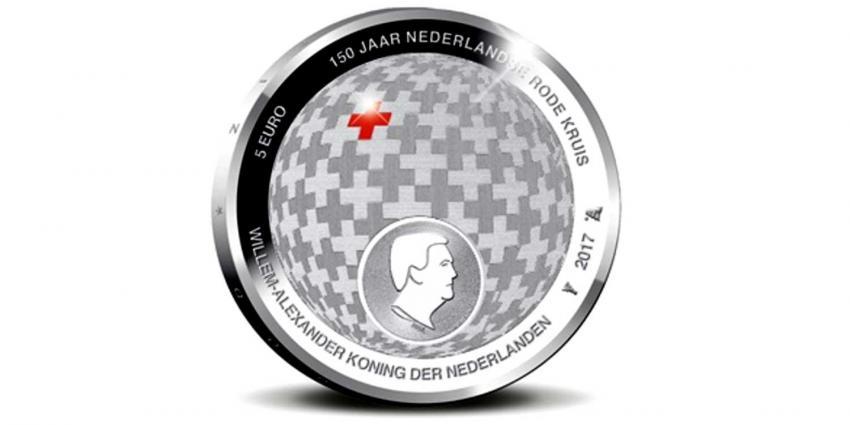1e Rode Kruis Vijfje geslagen door Prinses Margriet