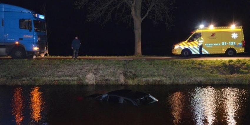 Auto te water in Muntendam