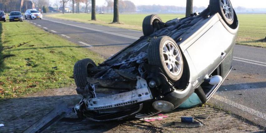 auto, op de kop, eenzijdig ongeval, borger, n374