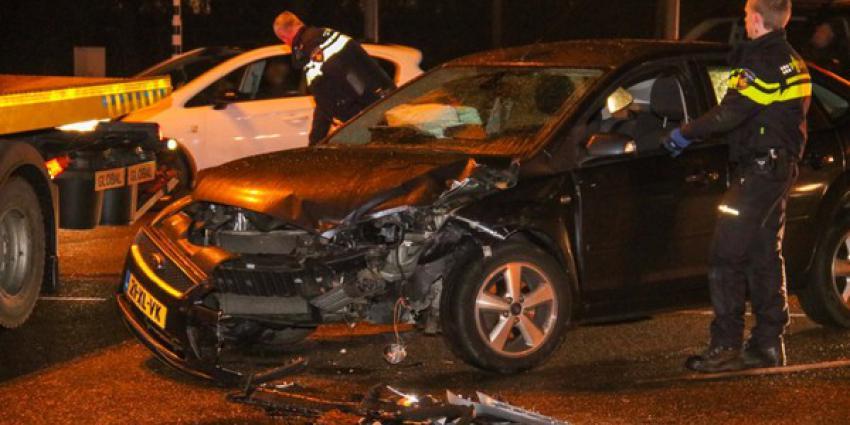 Nieuwe politiewagen zwaar beschadigd na aanrijding