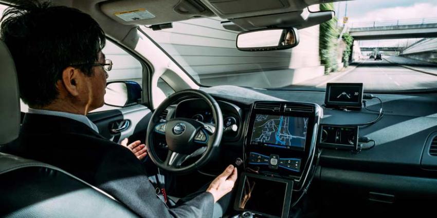 Raad start onderzoek van bestuurdersondersteunende systemen in auto's
