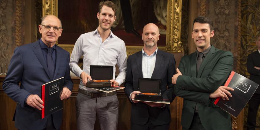 Nederland wint Groot Dictee der Nederlandse Taal