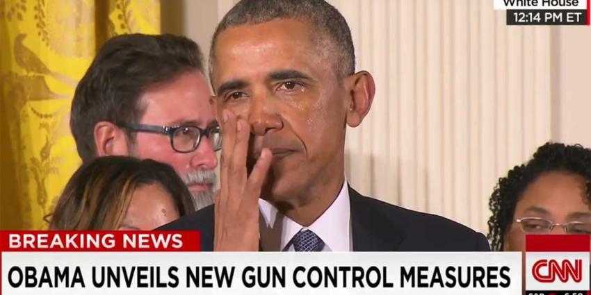 Obama in tranen tijdens speech over wapengeweld Amerika