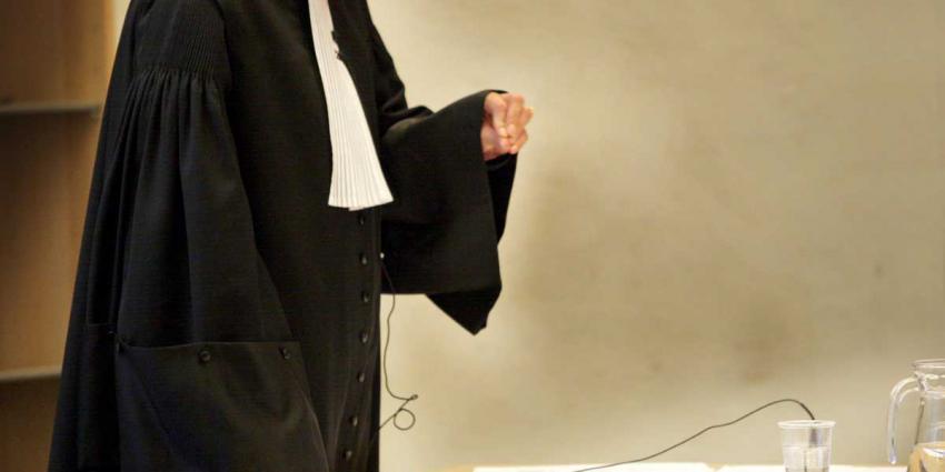 OM: overeenkomst met kroongetuige Fred R. solide