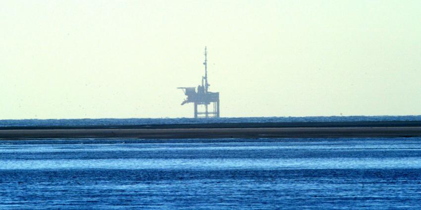 Aardolie-industrie zet minder om door lage olieprijs