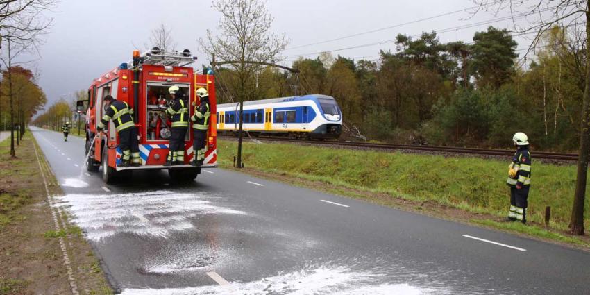 Brandweer Boxtel druk op Koningsdag met opruimen van oliespoor