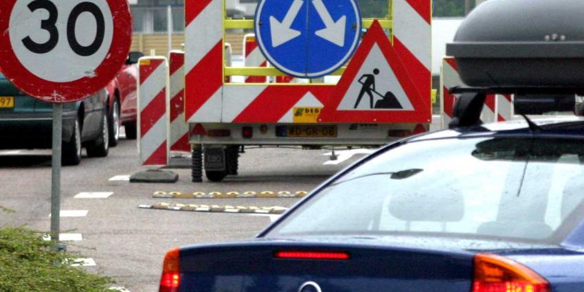 Grote verkeershinder vanwege afgesloten A1 tussen Diemen en Muiderberg