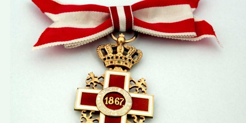 Tijn van de nagellakactie krijgt hoge Rode Kruis-onderscheiding