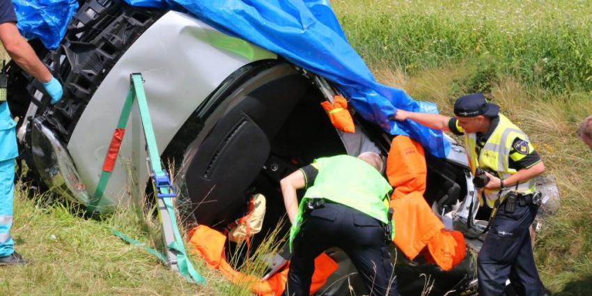 Vrouw raakt zwaargewond bij ongeval op A28