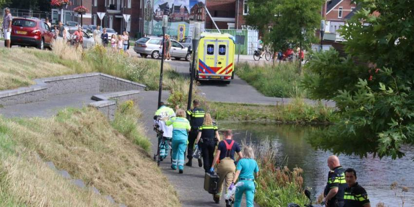 Omstanders redden drenkeling in Vlaardingen
