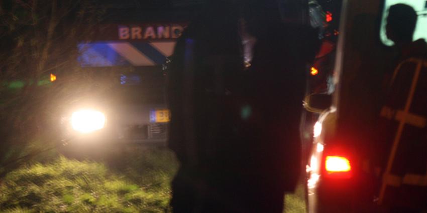 Automobilist (24) overleden na botsing tegen boom in Kruiningen