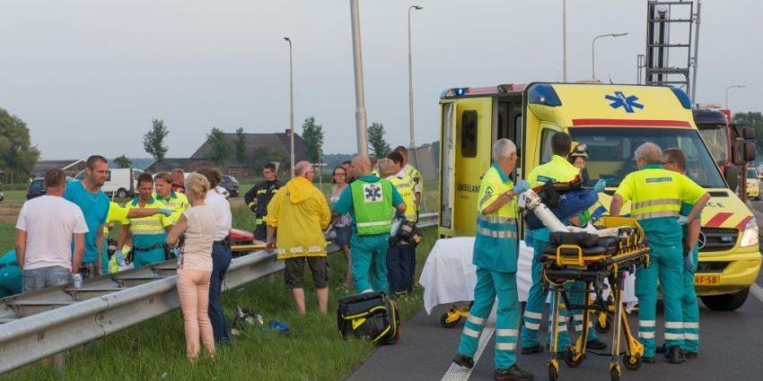 vijf gewonden bij aanrijding N33 bij Delfzijl