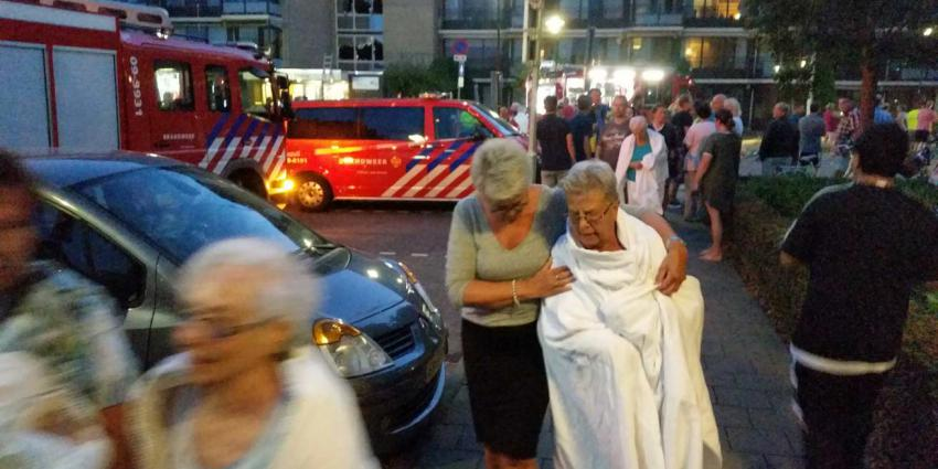 Woon-/zorgcentrum ontruimd vanwege grote brand