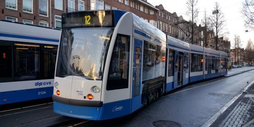 Twee trams ontspoord na aanrijding in Amsterdam-West