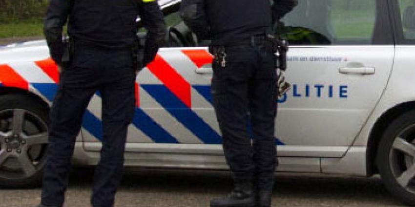 'Ga niet in politie-uniform naar carnaval'