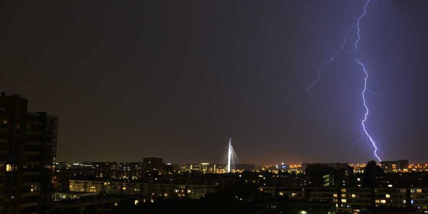 Foto van onweer boven Utrecht | Aneo Koning | www.fotokoning.nl
