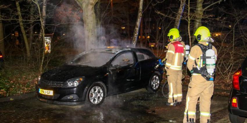 Auto brandt twee keer af in één nacht