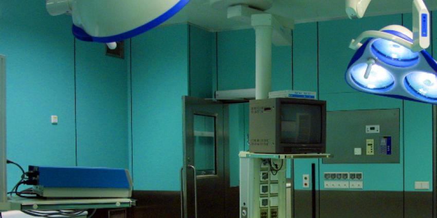 Betere behandeling tegen zweethanden dankzij operatierobot