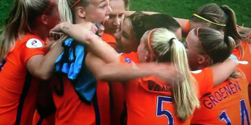 Oranjevrouwen populairder dan mannenelftal