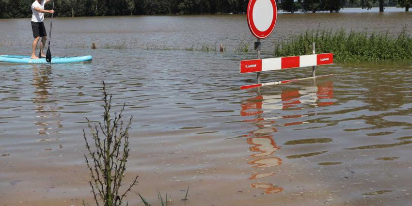 overstroming-Maas-supboard-dijk