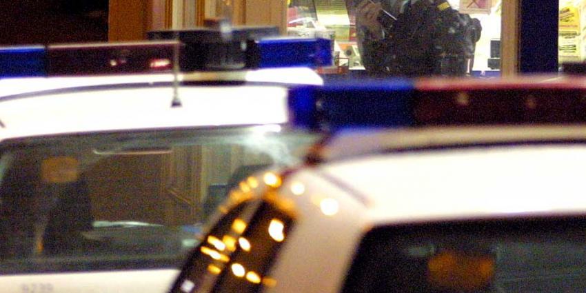 Bejaarde dame overloopt drie gemaskerde mannen en wordt vastgebonden