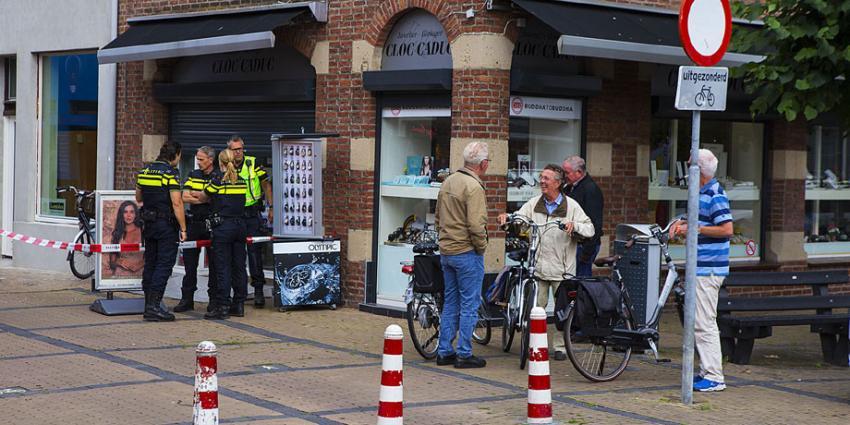 Klanten en juwelier op de grond tijdens overval in Boxtel