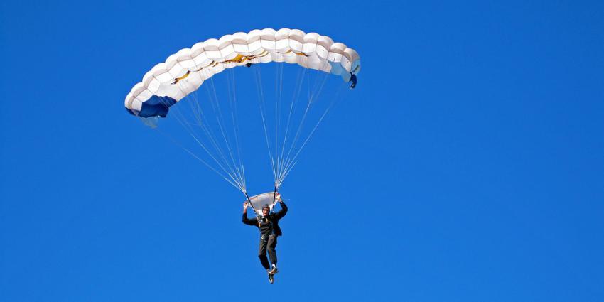 Foto van parachutist