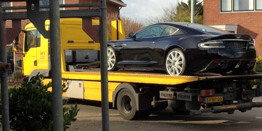 FIOD doet landelijk invallen om BTW carrouselfraude met dure auto's