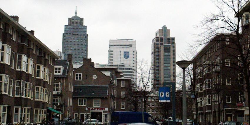 Philips maakt derde minder winst