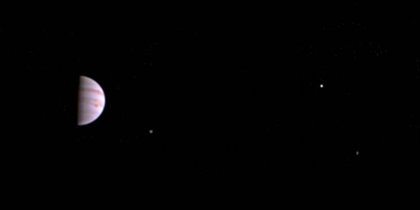 Eerste foto van Jupiter gemaakt door Ruimtesonde Juno