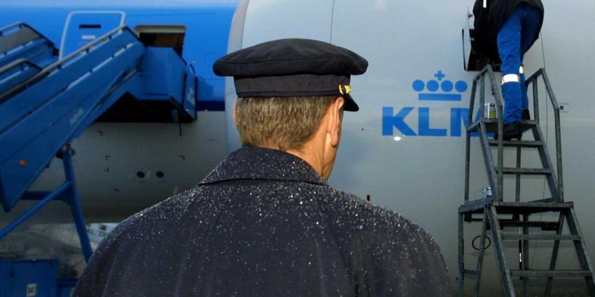 KLM-piloten-vliegtuig