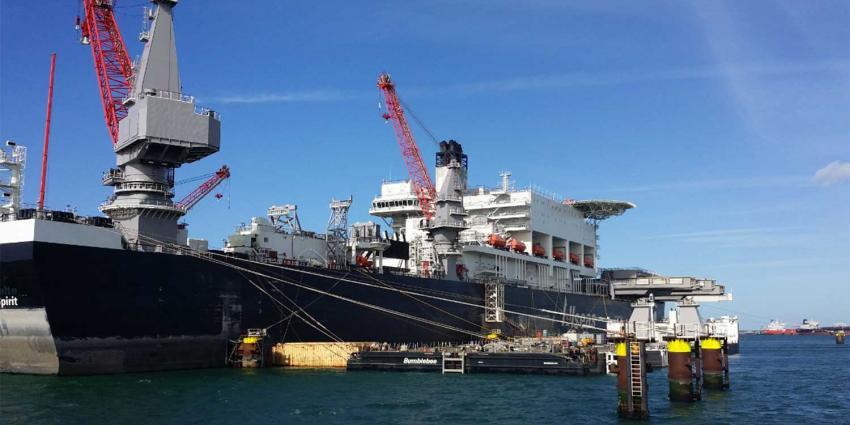 Grootste werkschip ter wereld tijdelijk terug in Rotterdam