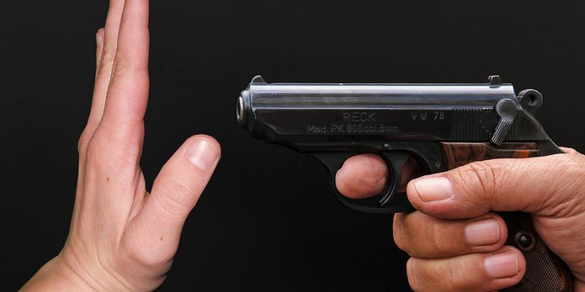 hand voor pistool