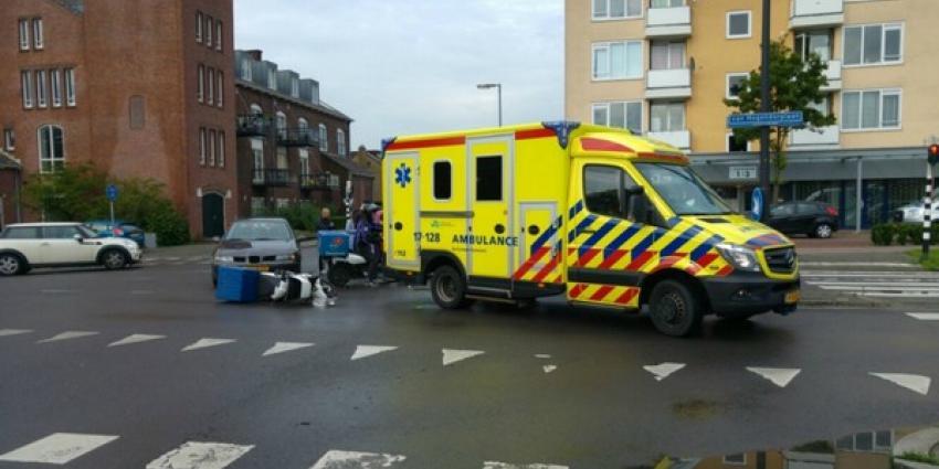 Pizzabesteller gewond na botsing met auto