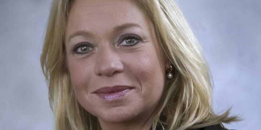 Minister Hennis in overleg over tolkenpardon