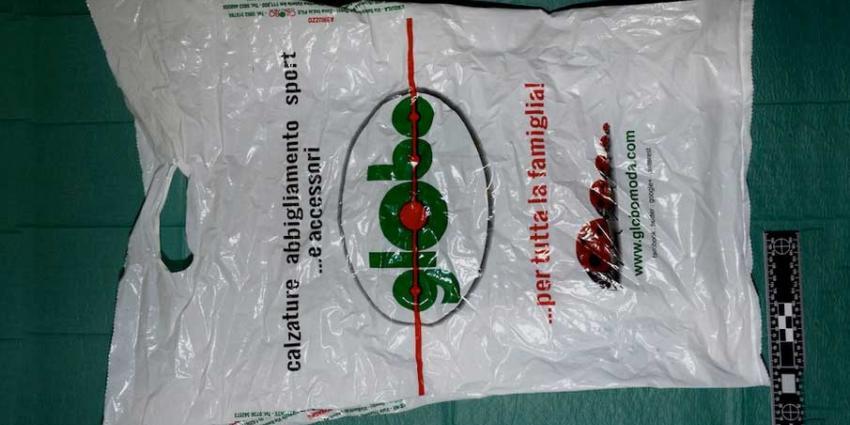 In vuilcontainer gedumpte baby zat in plastic tas