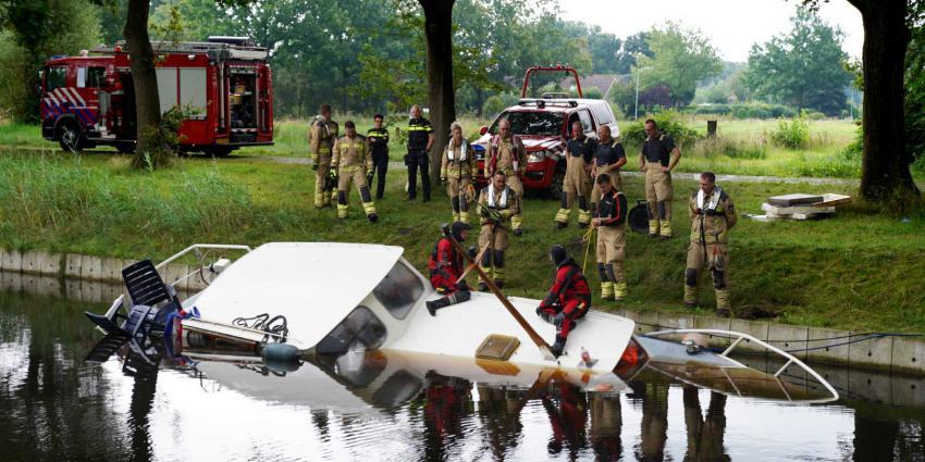 plezierjacht-zinken-brandweer-duiker