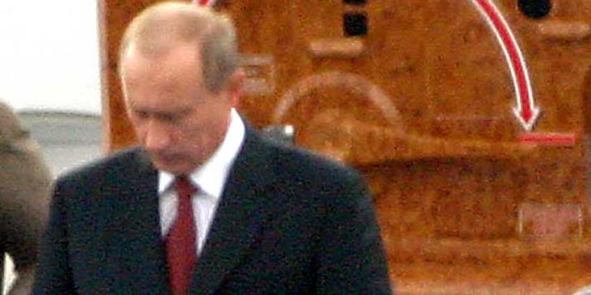Volgens eerste exitpolls wint Vladimir Poetin met ruim 70 procent de verkiezingen